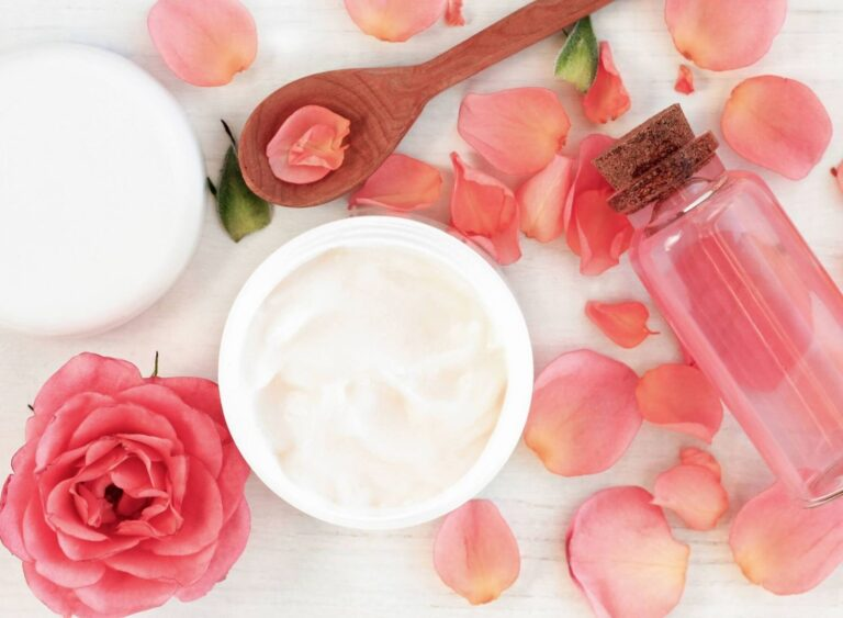 11 Benefits Of Rose Water For Ultimate Beauty